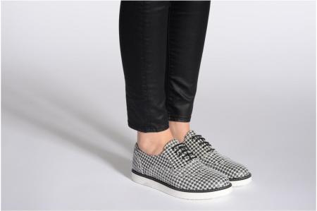 scarpe bianco-nere